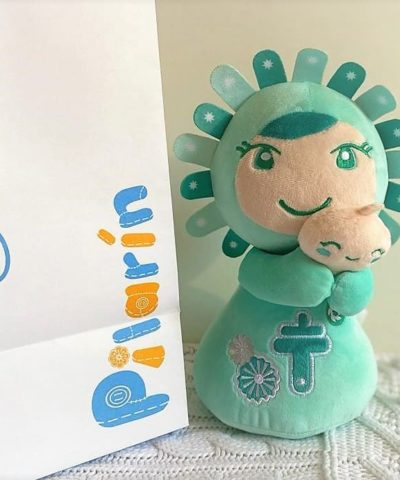 Peluche Pilarín Mint solidaria con caja